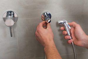 水漏れ修正の配管工事の費用、目安はどれくらい?